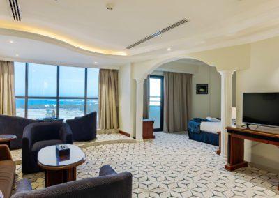 فندق كراون تاور